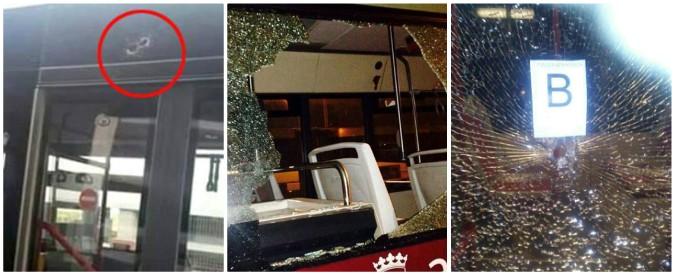 """Roma, a Tor Bella Monaca il Bronx dei bus. Gli autisti: """"Spari, dirottamenti, blocchi stradali. Protesti? Ti puntano la pistola"""""""