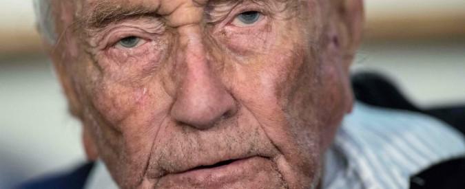 """Svizzera, 104enne australiano sano e lucido muore col suicidio assistito. """"Fish and chips prima dell'iniezione letale"""""""