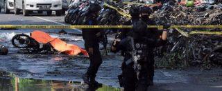 """Indonesia, attentati kamikaze in tre chiese. """"13 morti e più di 40 feriti, usati anche bambini"""". L'Isis rivendica"""