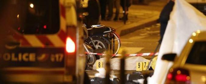 """Parigi, armato di coltello attacca passanti: un morto e 4 feriti. Ucciso il killer. """"Era schedato dall'intelligence come radicale"""""""