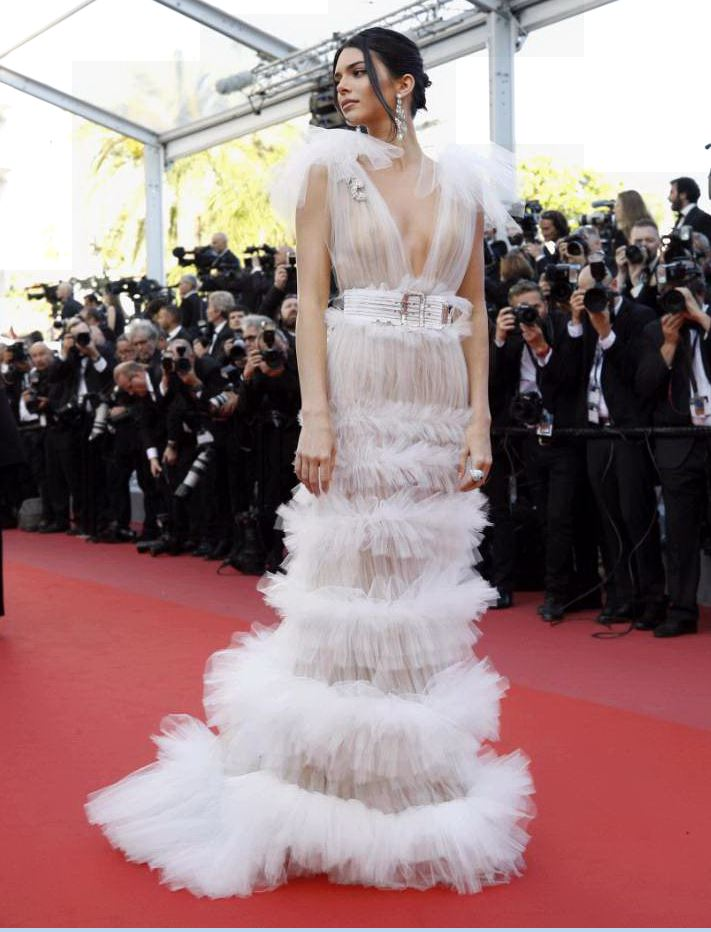 Le trasparenze dell'abito di Kendall Jenner