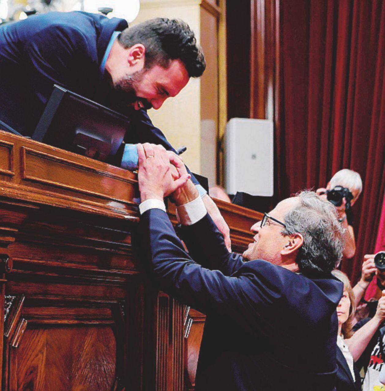 Anche la Catalogna trova un governo anti-urne
