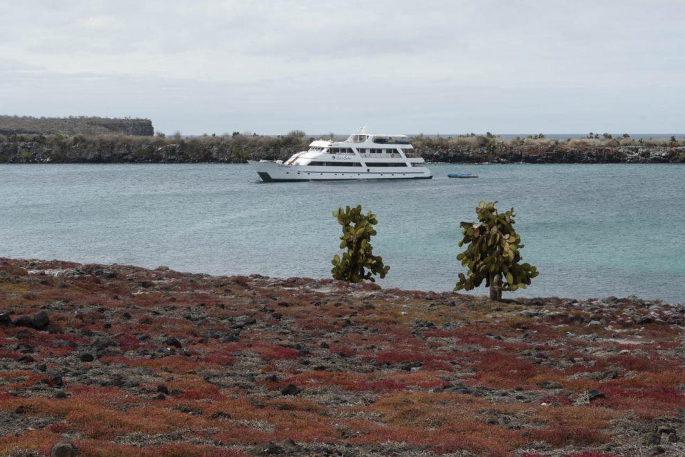 Lo yacht ancorato a South Plaza