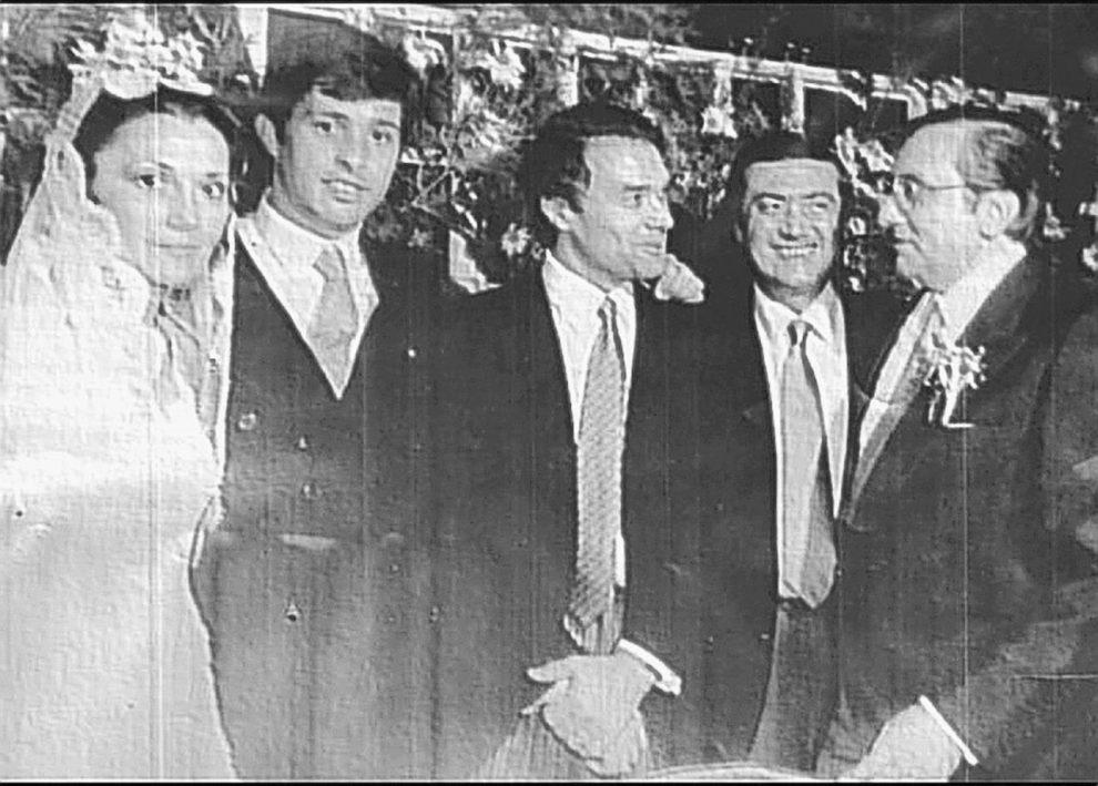 New York, 1980 – Il giovane Stefano Fidanzati alle nozze del boss Pippo Bono (il secondo da sinistra)
