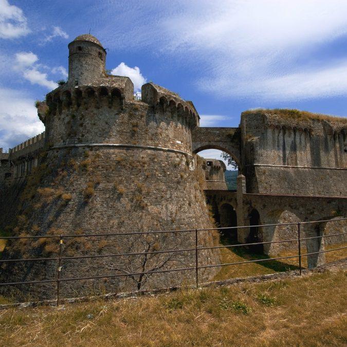"""Giornate dei Castelli, torri e fortezze aperte al pubblico in tutta Italia: """"Un patrimonio secolare minacciato dalla burocrazia"""""""