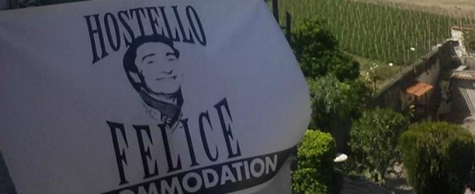 Ercolano, la faccia del boss del Brenta Felice Maniero diventa il logo di un ostello