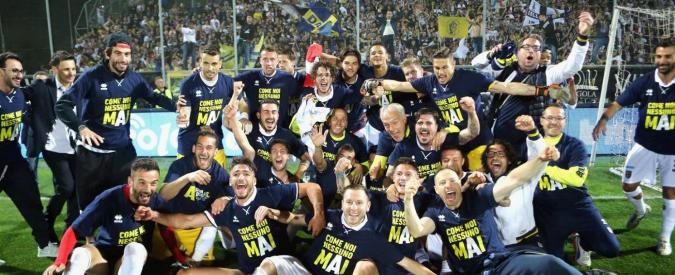 """Parma promosso in A, dal fallimento alla massima serie in soli tre anni: """"Siamo ancora qua"""""""