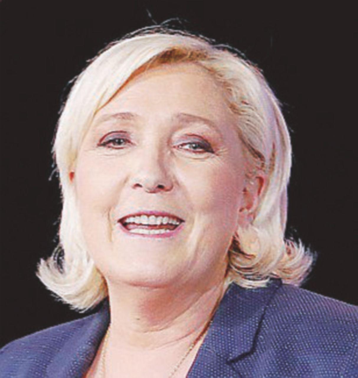 """Marine Le Pen intanto esulta: """"I nostri alleati al governo!"""""""