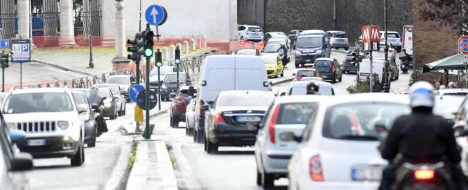 Legge di bilancio, tutte le misure che riguardano l'auto e i trasporti