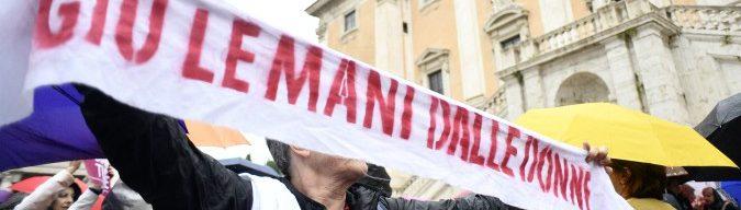 Roma, Casa delle Donne e onlus sotto sfratto: tutto iniziò con Marino. Ma in attesa delle regole promesse dal M5s è il caos