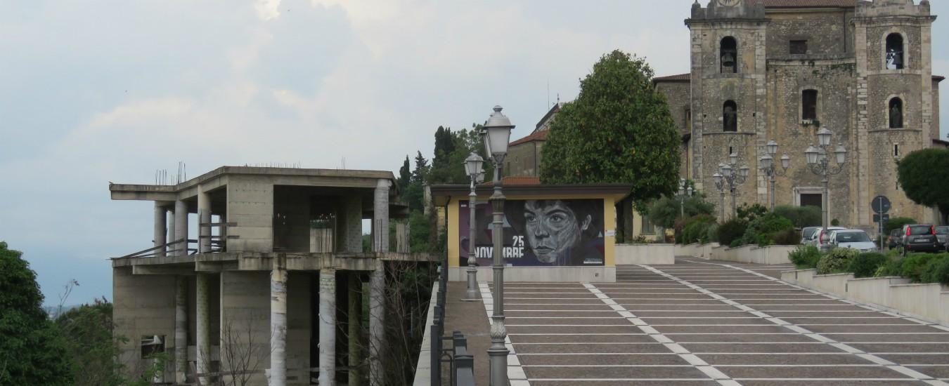 Arce, l'ecomostro alto tre piani su cui affaccia il belvedere