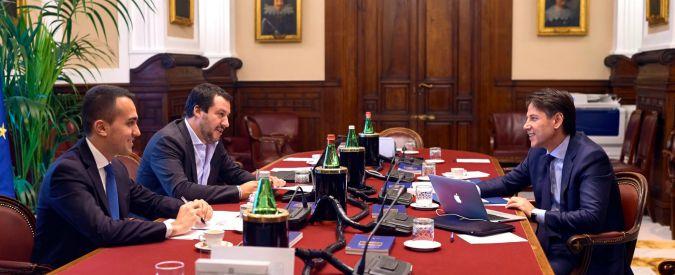 """Nota al Def, Di Maio e Salvini forzano Tria: deficit/pil al 2,4%. """"10 miliardi per il reddito a 6,5 milioni di persone"""""""