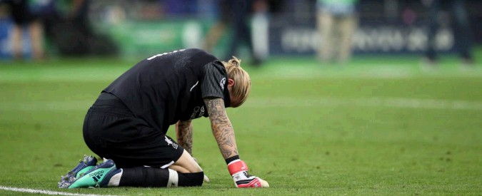 """Champions League, gli errori di Karius """"colpa di una commozione cerebrale"""" provocata da scontro con Sergio Ramos"""