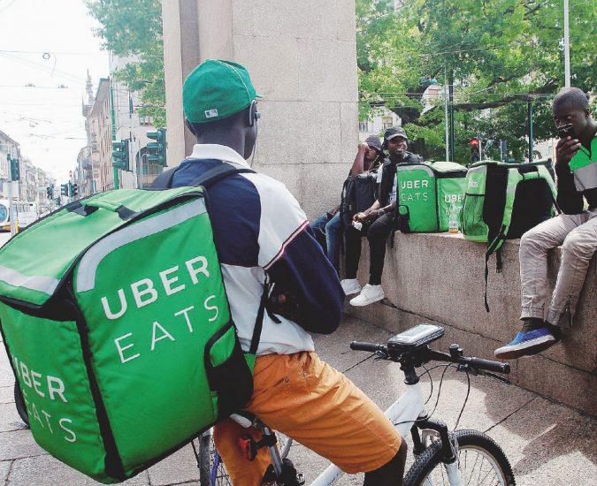 Riders e cibo a domicilio. Il nuovo business di Uber