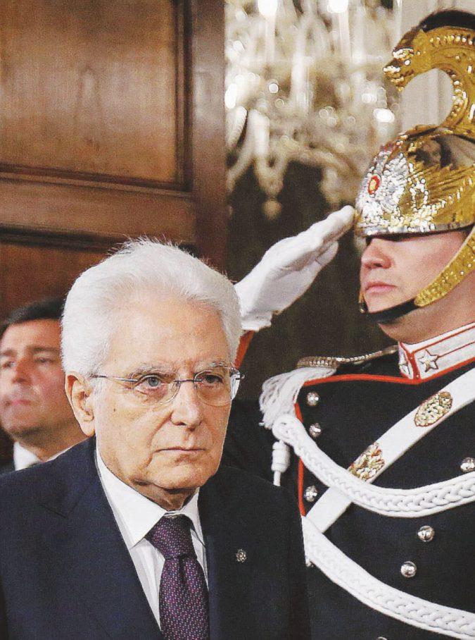 """""""Ora impeachment"""". Di Maio alla guerra contro Mattarella"""
