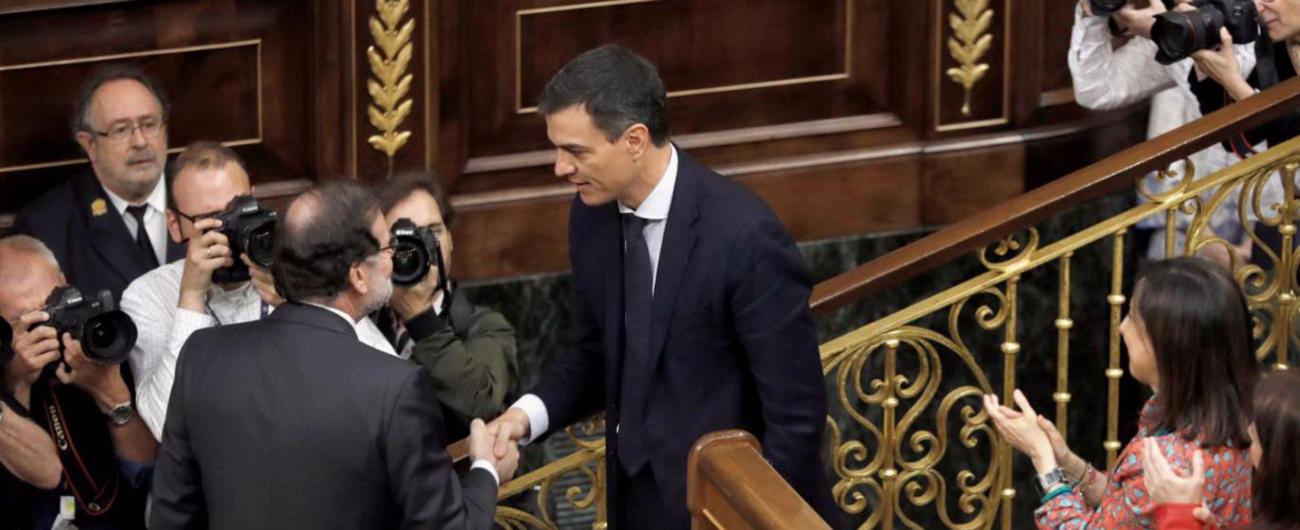 """Spagna, sfiduciato Rajoy: al suo posto il socialista Sanchez. """"Ora governo alla Zapatero. Rispetteremo impegni con l'Ue"""""""