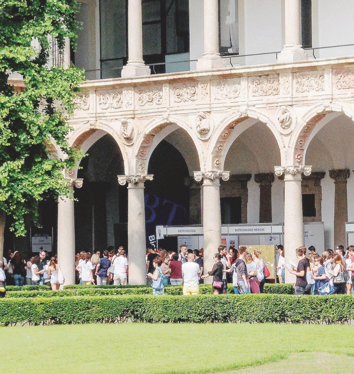 """""""Lo sciopero mi danneggia"""": l'ira degli studenti alla Statale"""