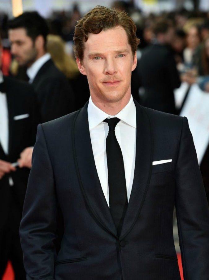 """Benedict Cumberbatch vero Sherlock Holmes, sventa rapina di una bici a un rider. E Deliveroo ringrazia: """"Eroe"""""""