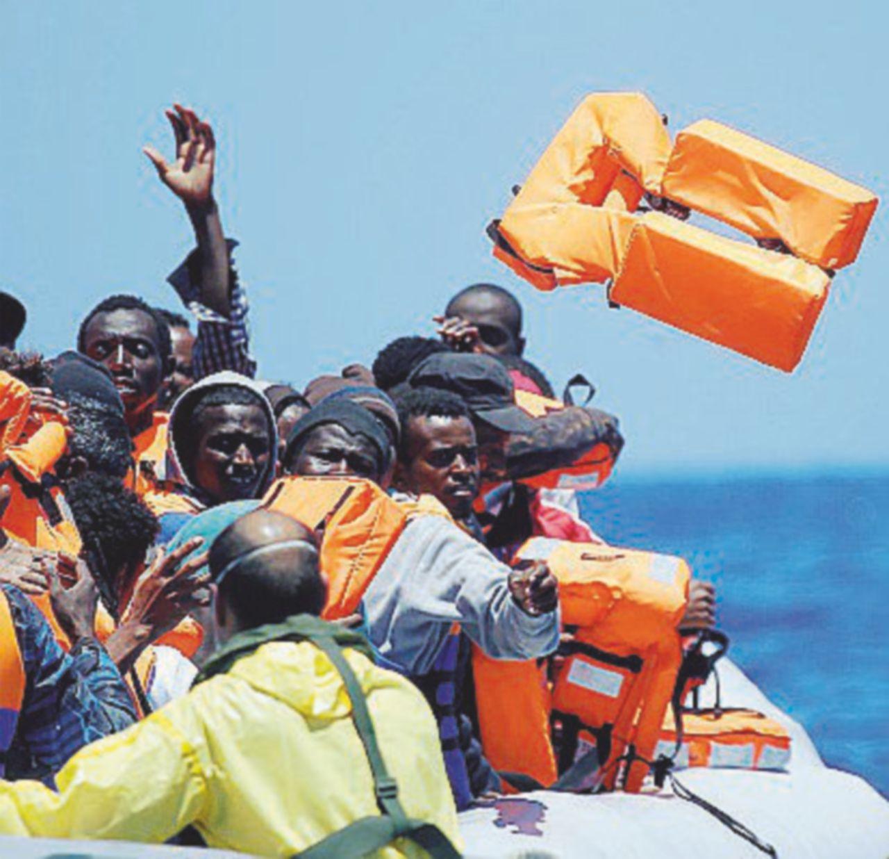 Mediterraneo, oltre 50 morti in due naufragi