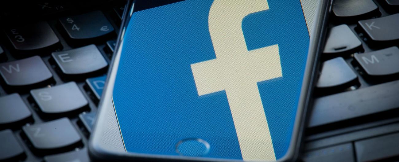 """Facebook, Nyt: """"Ha ceduto dati personali degli utenti ai big dei dispositivi mobili"""""""