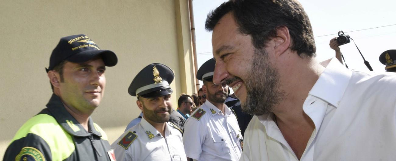 Migranti, Salvini avverte Bruxelles: 'O l'Ue ci dà una mano o sceglieremo altre vie'