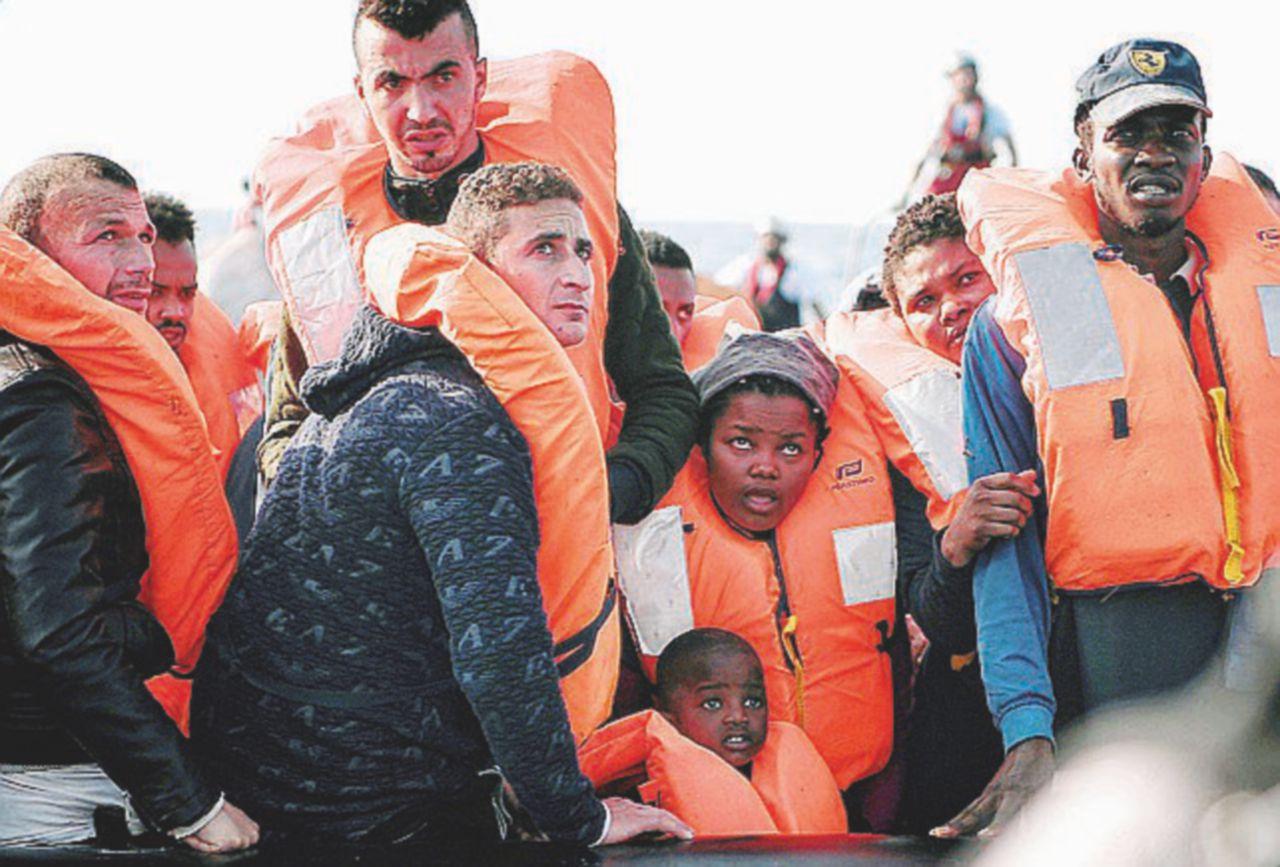 Non sono i galeotti ad attraversare il mare. Lo fa chi teme la crisi