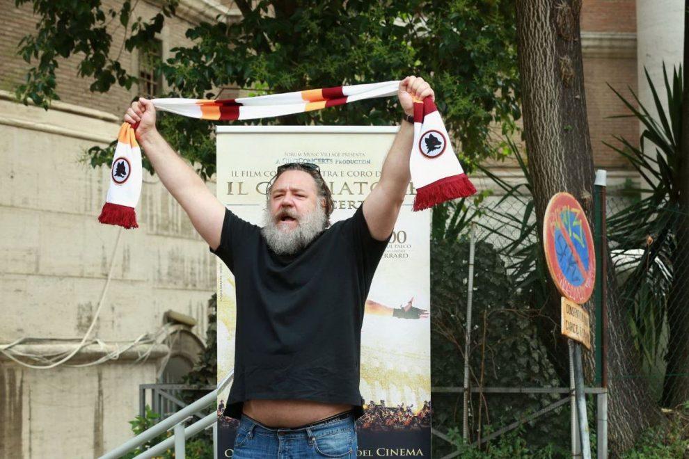 Il Gladiatore Russell Crowe conquista Roma: