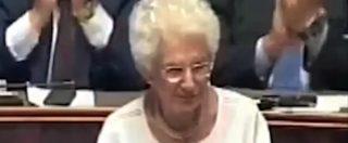 """Governo, il primo intervento in aula di Liliana Segre: """"Aiutiamo gli italiani a essere vigili"""". Acclamazione unanime"""
