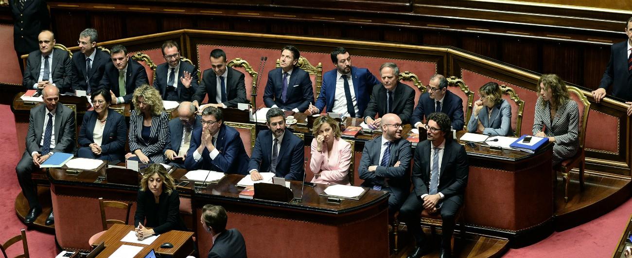 """Governo Conte, fiducia al Senato con 171 sì. Renzi: """"Da oggi siete l'establishment, basta alibi"""". Pd e Fi: """"Sud dimenticato"""""""