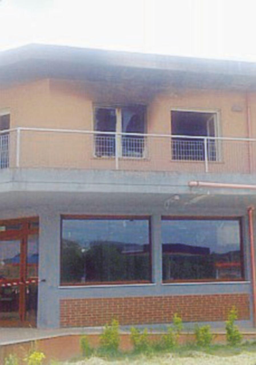 Isernia, a fuoco centro di accoglienza temporaneo