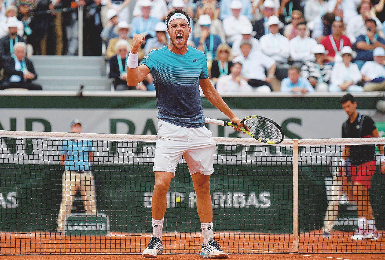 Cecchinato nella Storia: batte Djokovic e vola in semifinale