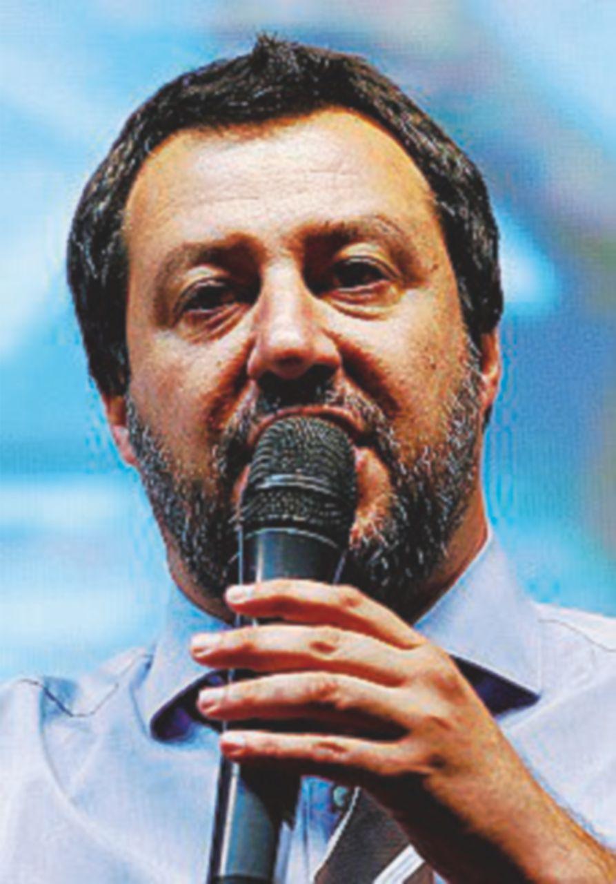 """Salvini in Puglia: """"Non siamo qui per chiudere nulla"""""""