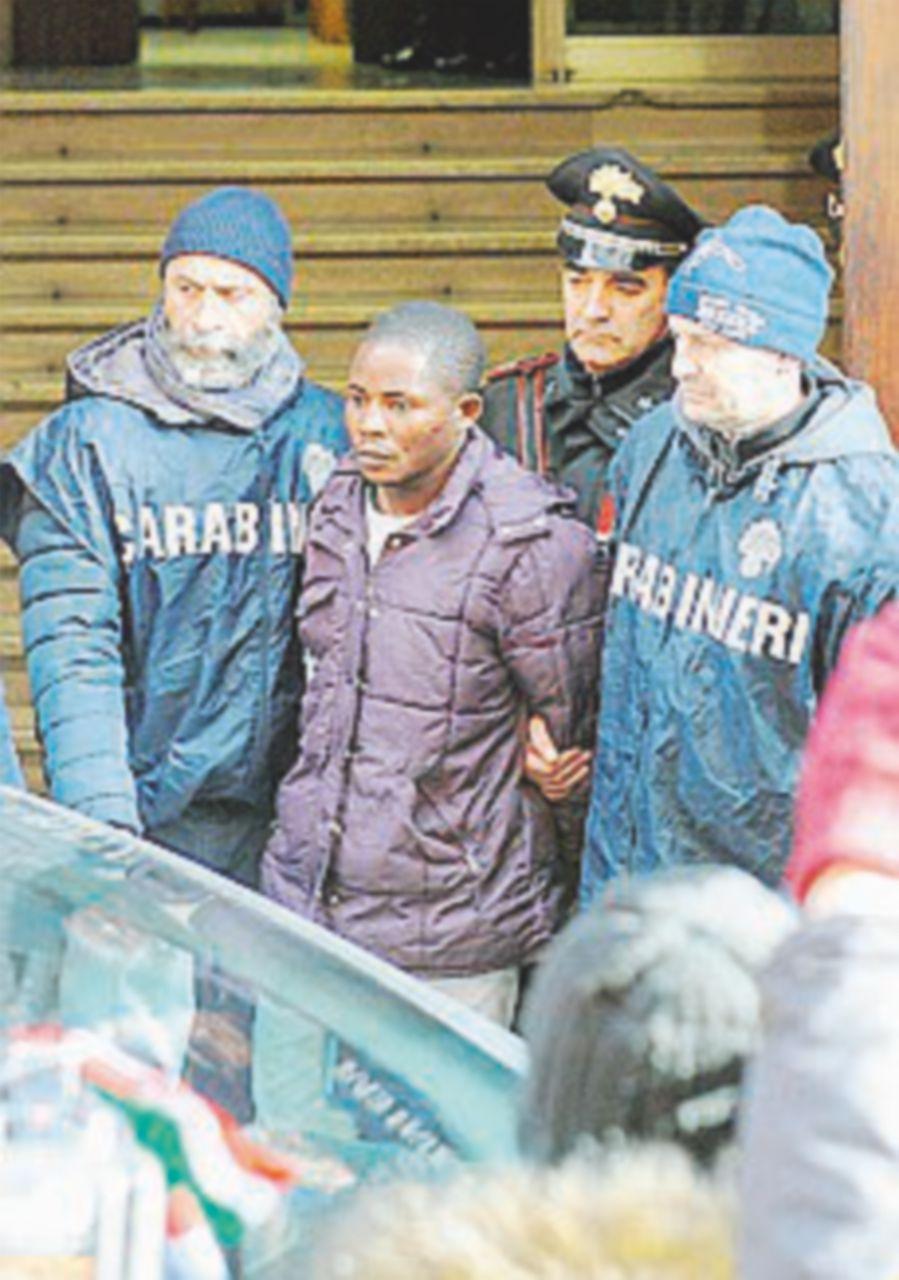 Macerata, cade accusa di omicidio per  i complici di Oseghale