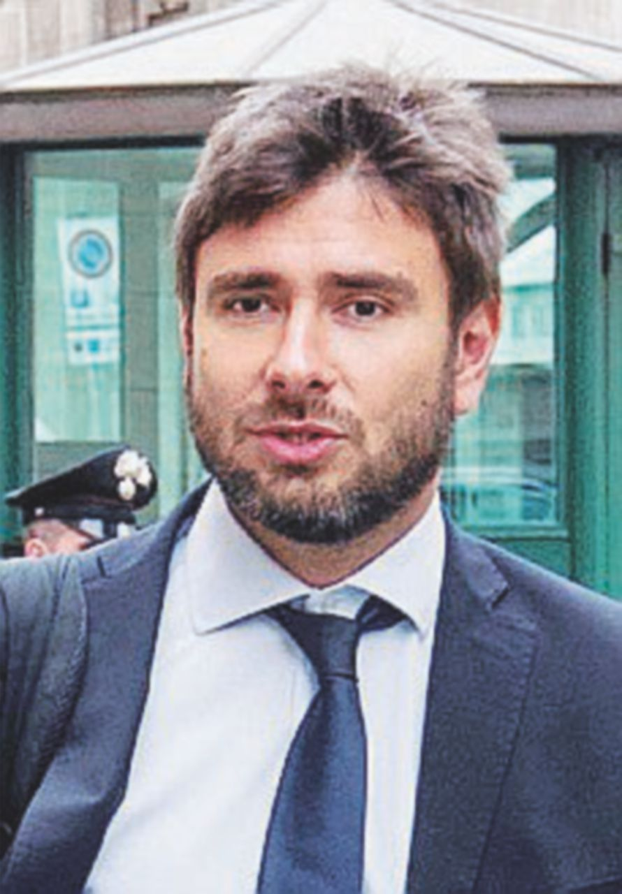 """Di Battista restituisce il tfr: """"Mica è facile fare il populista"""""""