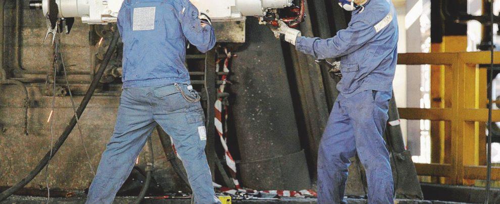 Ilva, il siderurgico sta morendo: perso un quarto della produzione. E la liquidità finirà entro agosto