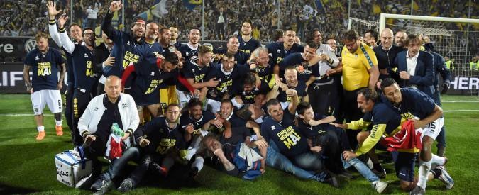 Parma accusato di tentato illecito: chiusa l'indagine sugli sms prima della gara con Spezia. A rischio la promozione in Serie A