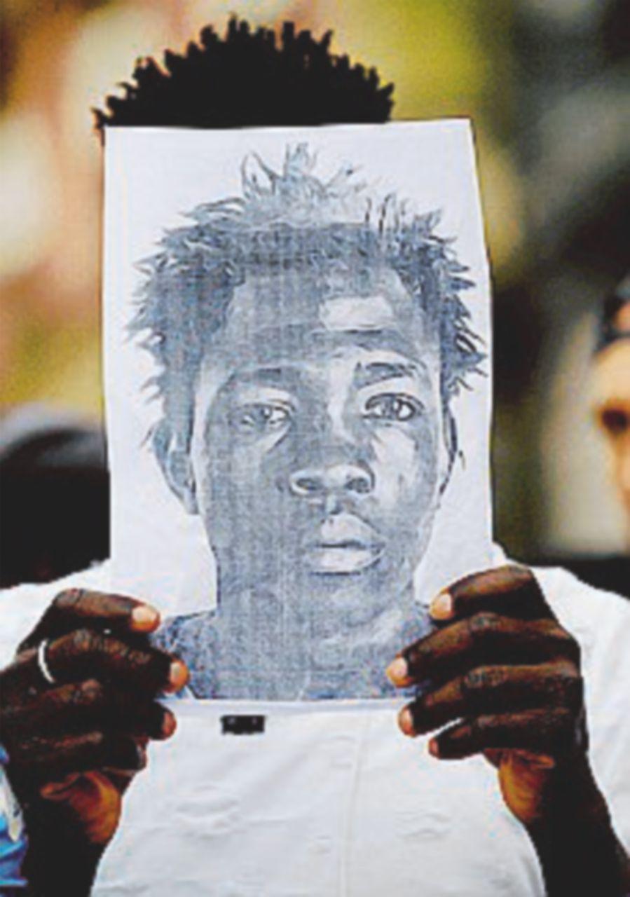 """Migrante ucciso, il 43enne resta in cella: """"Mirava a tutti e tre"""""""