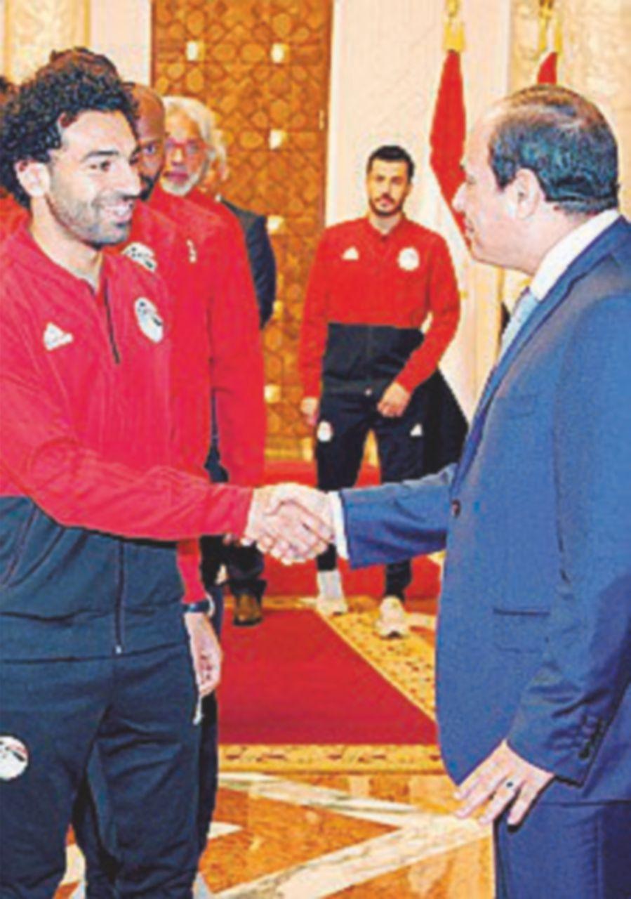 Salah rassicura il raìs al-Sisi: recupero in tempo per l'esordio