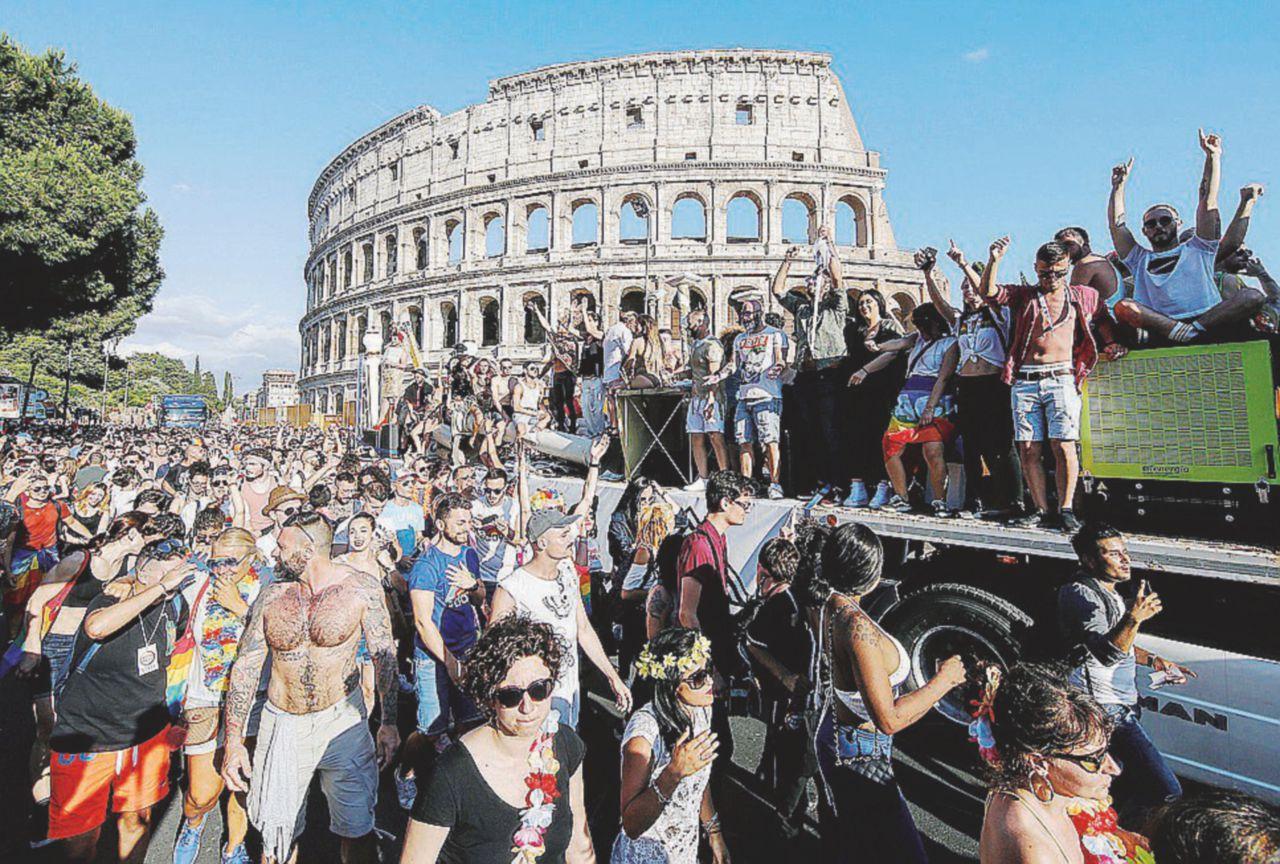 Pride 2018 romano in tono minore. Ma si rivede il Pd