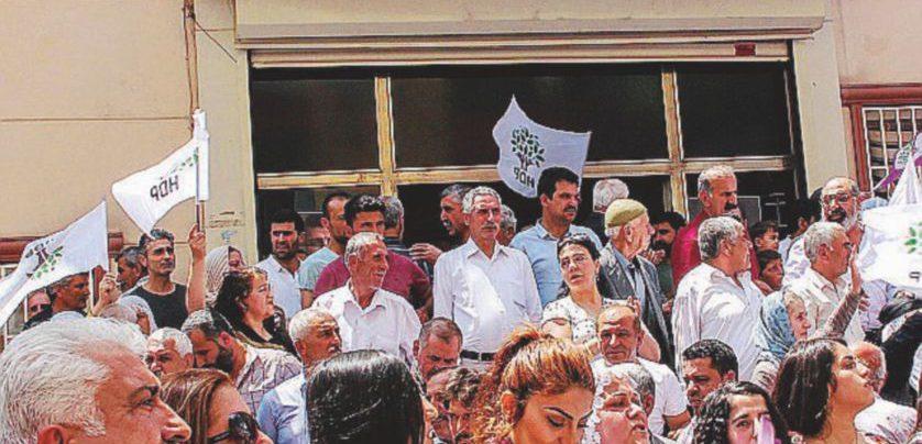 """I filo-curdi: """"Liberate il nostro Mandela. Poi attenti ai brogli"""""""