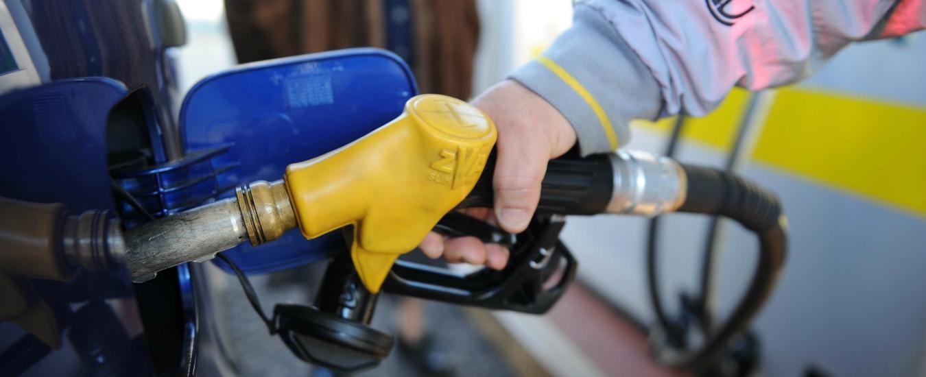 La benzina diventa E, il gasolio è B: arrivano le etichette Ue per i carburanti