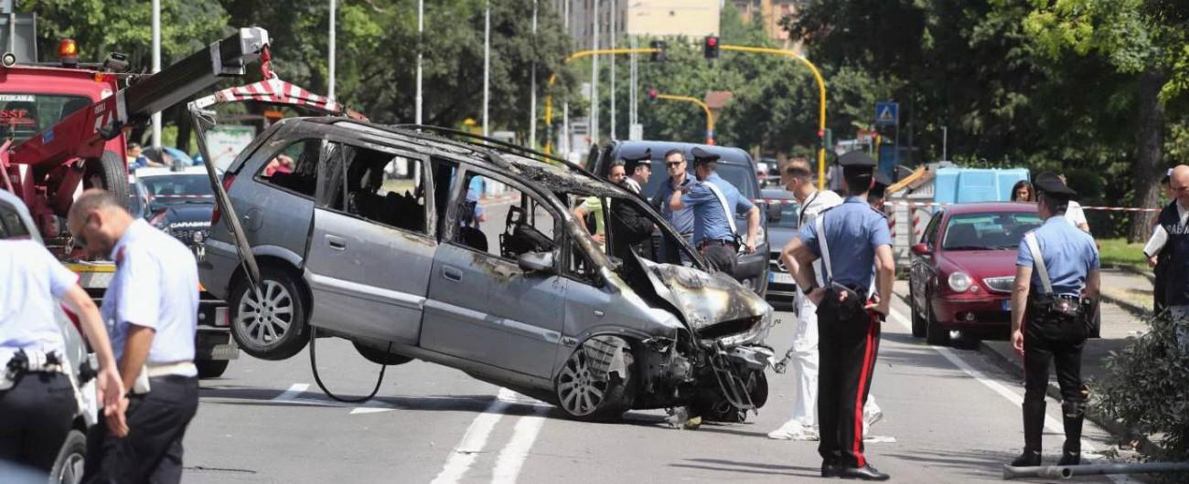 Firenze, è morto Duccio Dini: era stato investito durante spedizione punitiva in auto. Tensione al corteo anti-rom
