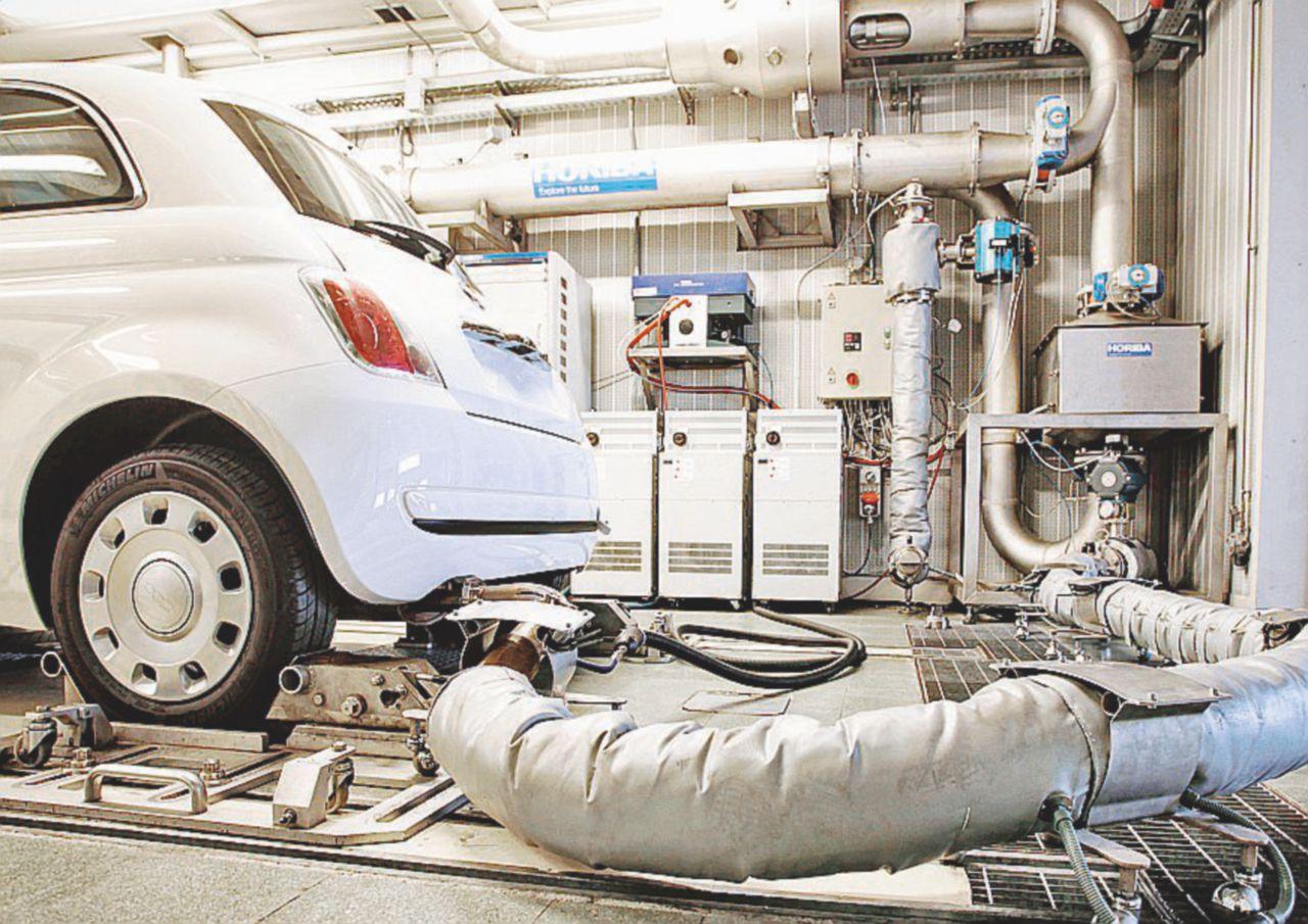 Nuovi test sulle emissioni. Volkswagen e Porsche in stand by