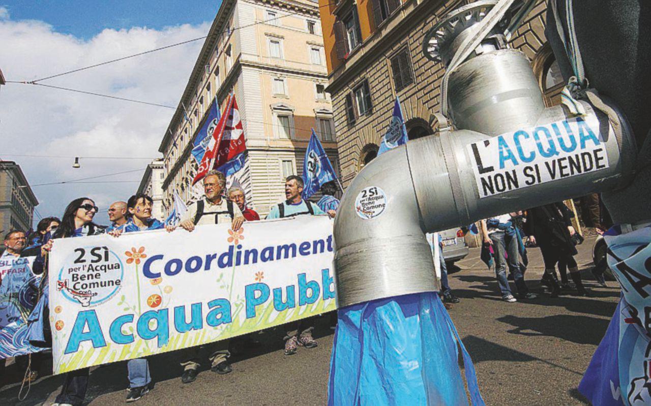 Acqua pubblica, ora il M5S dia seguito al referendum