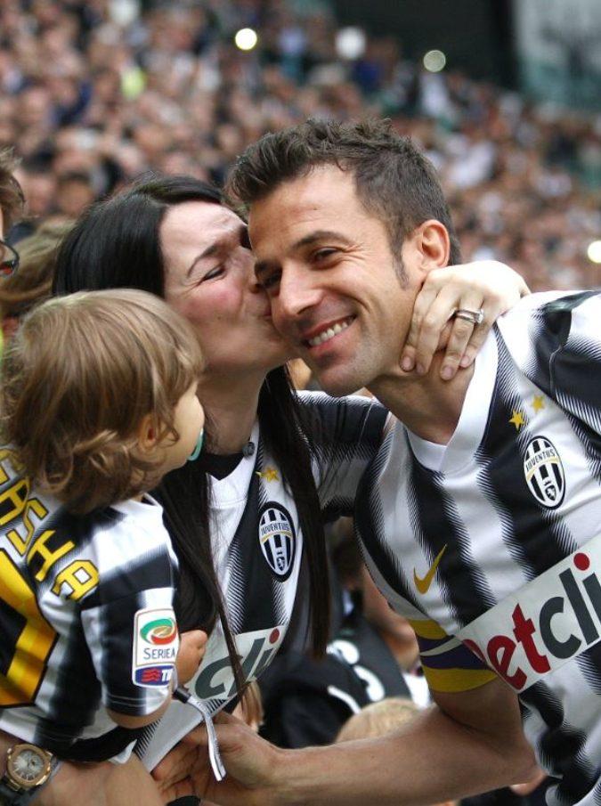 """Del Piero, """"è finito il matrimonio tra Alex e la moglie Amoruso"""": stavano insieme da 19 anni"""