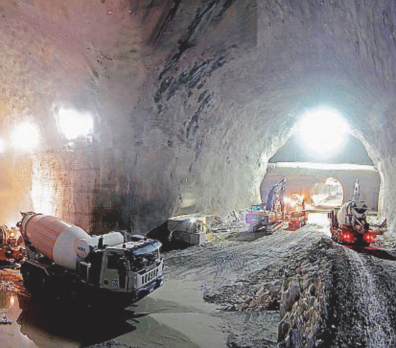 """Il ministro Toninelli: """"Avanti con il tunnel del Brennero. Darà benefici all'economia"""""""