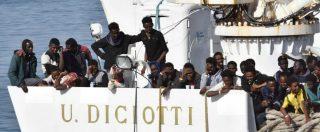 Catania, arrivata al porto la nave Diciotti della Guardia Costiera con 932 migranti