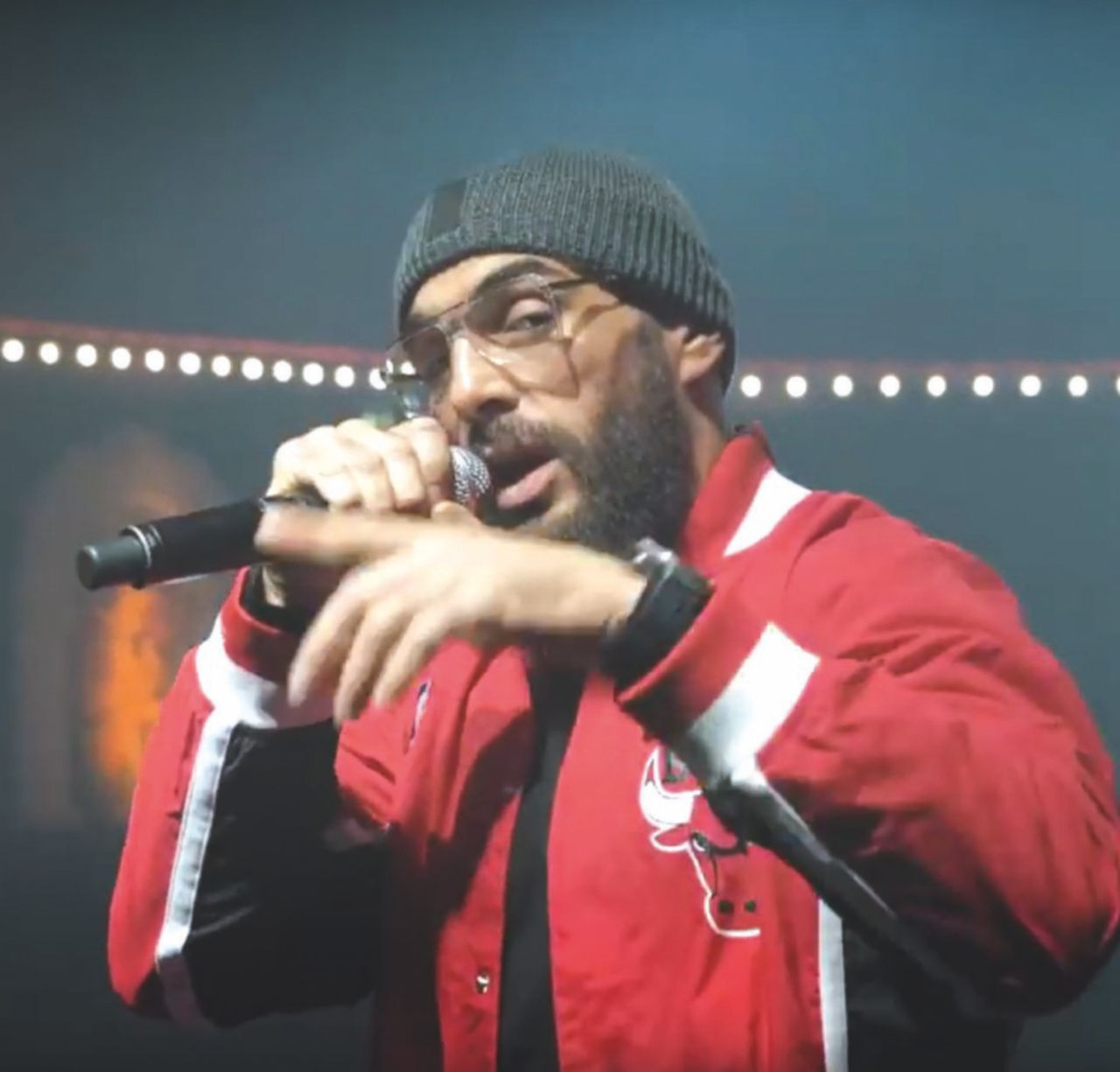 """""""Jihad"""" al Bataclan, il rapper che spacca in due la Francia"""