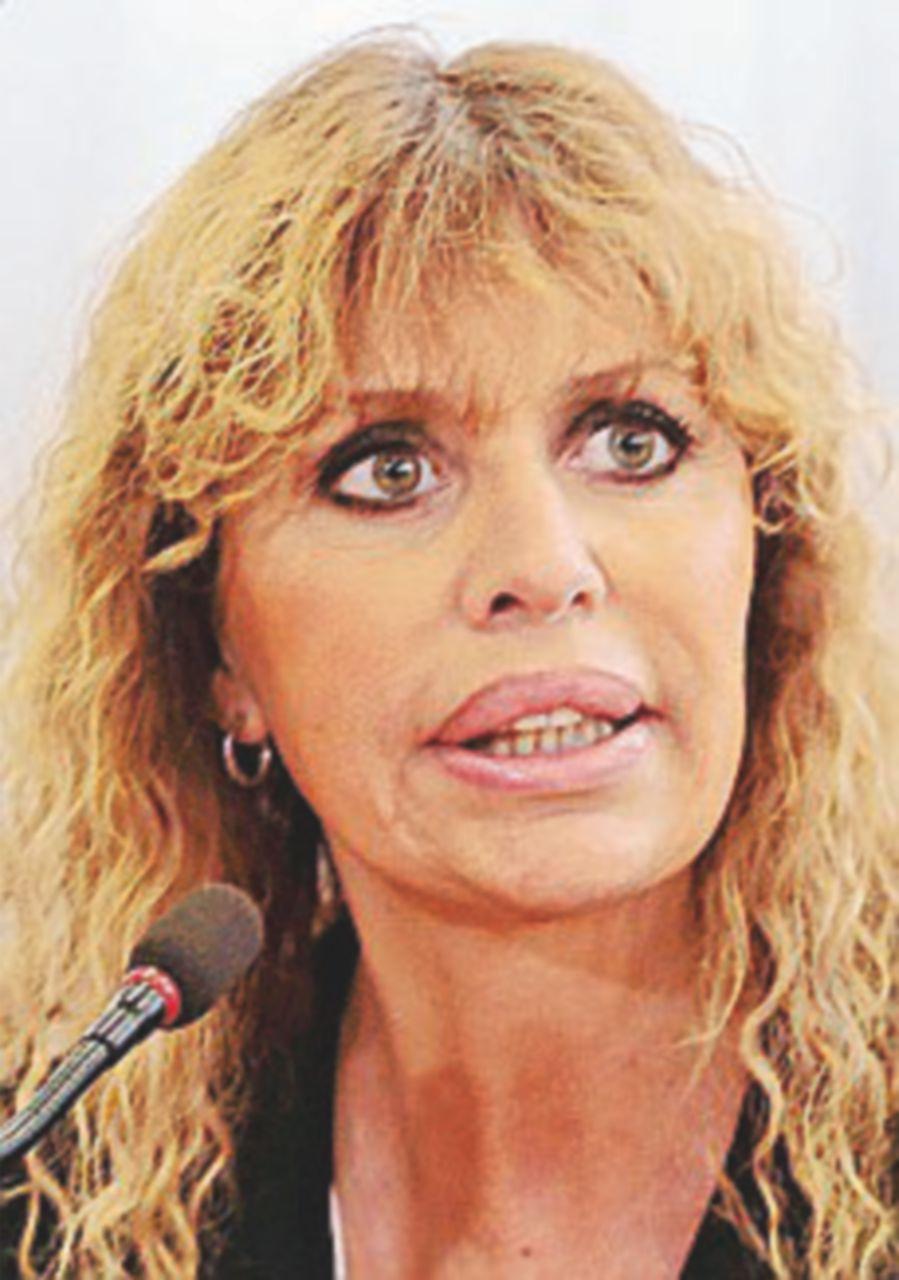 """Alessandra Mussolini: """"Sciacquatevi la bocca quando parlate di noi"""""""