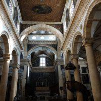L'opulenza delle chiese racconta un passato ricco e fastoso.